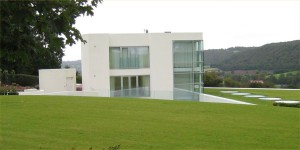 Futuristic house Steppingstones.