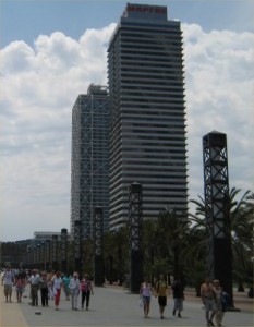 2 tallest buildings in Barcelona