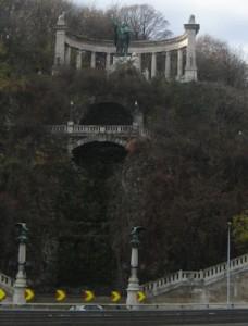 gellert_monument