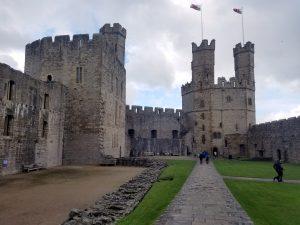 The battlements of Cearnarfon castle.